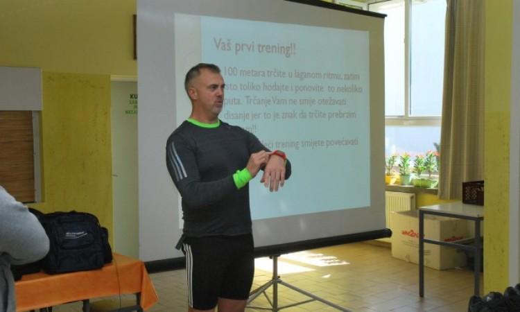MARIJAN DELIŠIMUNOVIĆ ODRŽAO ŠKOLARCIMA PREDAVANJE O MARATONU   Pomicati vlastite granice – cilj je nas, maratonaca rekreativca