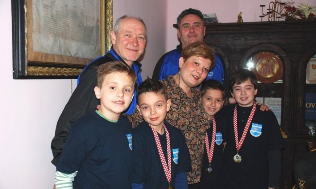 """STRELIČARSKI KLUB """"KUNA""""   Najmlađi članovi oborili državni rekord"""
