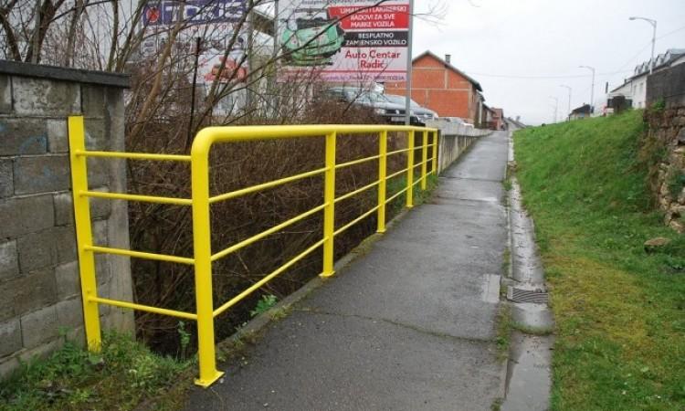 ZAVRŠENA SANACIJA DOTRAJALIH OGRADA   Postavljene nove zaštitne ograde