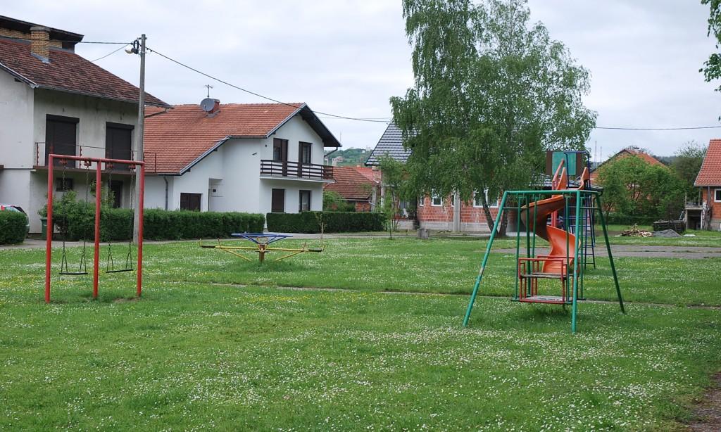 Dječja igrališta u Pakracu:   Igrališta lakše napraviti nego održavati