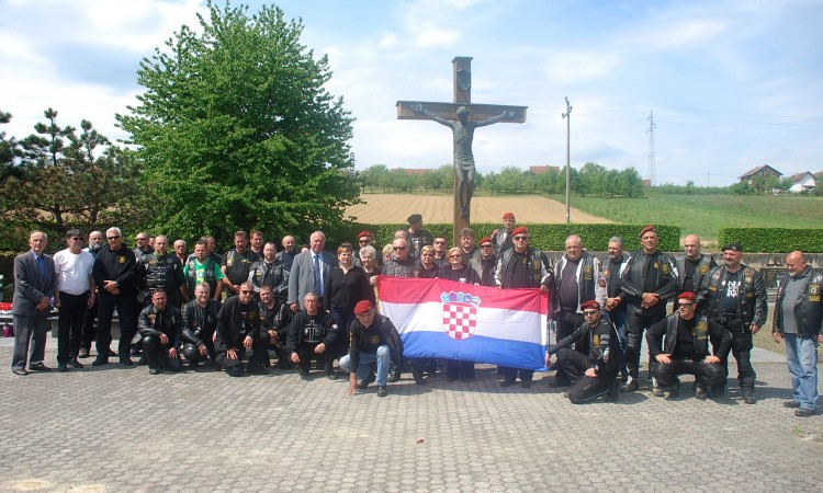 Moto klub 4. Gardijska brigada:   Molitva za Pakrac