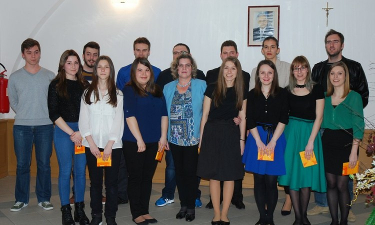 OBILJEŽAVANJE 20 GODINA OGŠ PAKRAC   Bivši učenici glazbom čestitali rođendan