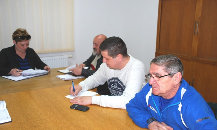 """MO Pakrac - sjever:    Građani traže rješavanje """"divljih"""" kanalizacija"""