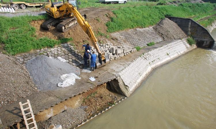 Radovi na mostu kod bolnice:    Sanacija zaštitne obloge