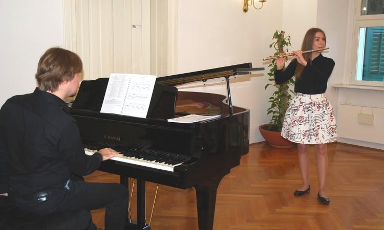 KONCERTNA DVORANA OGŠ: Dunjin koncert poklon Pakračanima