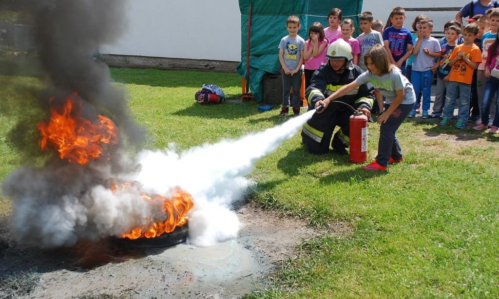 UZ MJESEC ZAŠTITE OD POŽARA Mališani po prvi put u borbi protiv vatre