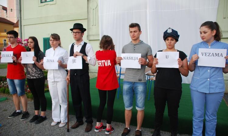 Kazališnim predstavama započele kulturne večeri u kuriji Janković