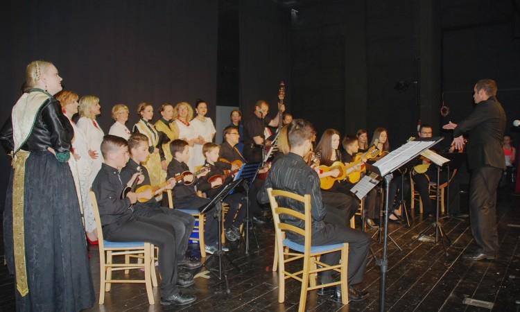 Koncert Tamburaškog orkestra Pakrac: Izvorne skladbe oduševile Pakračane