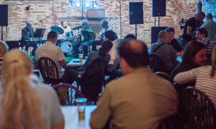 Jedinstveni subotnji događaj: Jazz večer u Spahijskom podrumu