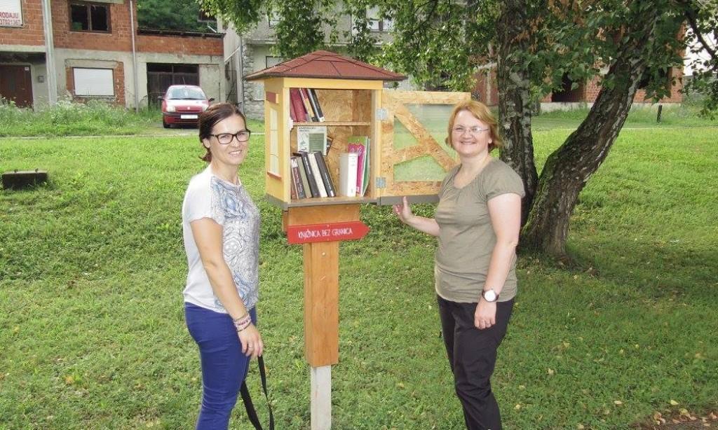 NAKON GODINU DANA: Pakračani brinu o uličnim knjižnicama