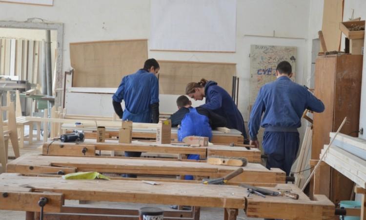 Grad Pakrac objavio natječaj za dodjelu učeničkih stipendija