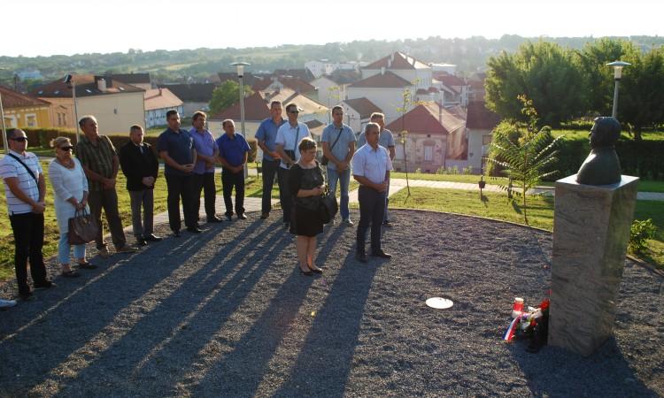 ČLANOVI PAKRAČKOG HDZ-A: U sjećanje na dr. Šretera i pakračke branitelje