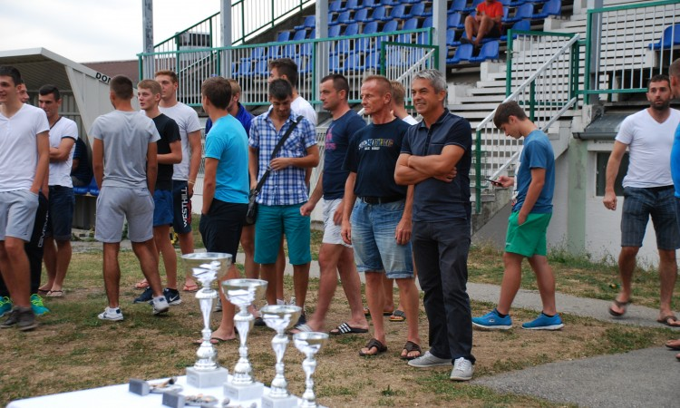 OVOG VIKENDA TRADICIONALNI  NOGOMETNI TURNIR Hajduk ugošćuje Osječane, Novljane i Kutinjane