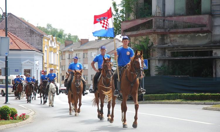 """U Pakracu završio """"maraton sjećanja"""" bjelovarskih konjanika"""