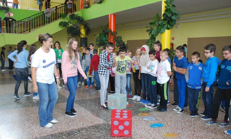 OŠ BRAĆE RADIĆA PAKRAC: Obilježili Europski dan jezika