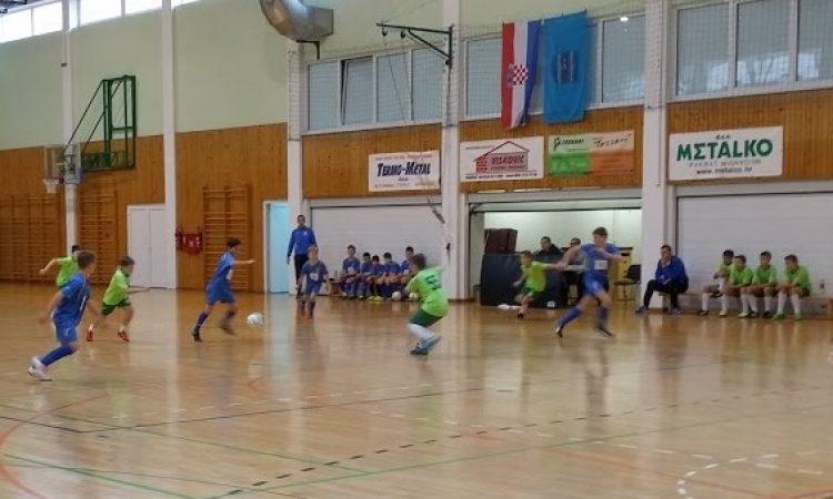 'PETICA' U PAKRACU  Stariji Hajdukovci odlični, mlađi podbacili