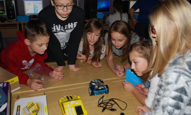 PAKRAČKI OSNOVCI: Mali majstori robotike, matematike i informatike