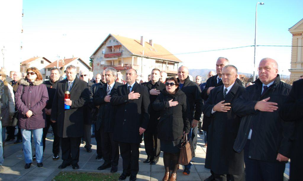 DAN BRANITELJA LIPIKA: Poginuli branitelji Lipika dobili spomenik