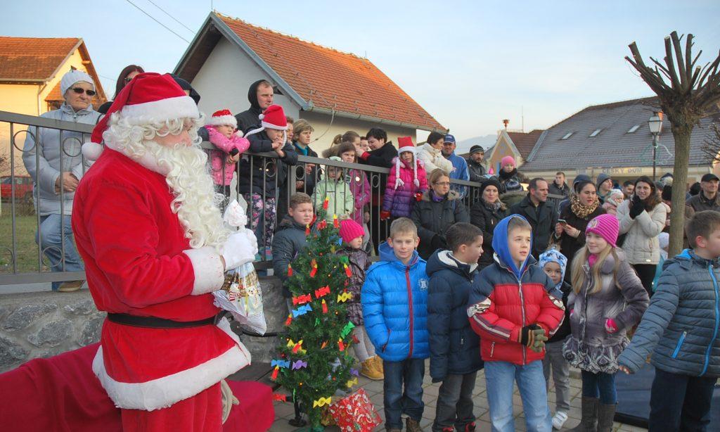 BOŽIĆNI SAJAM: Božićni ugođaj u Prekopakri