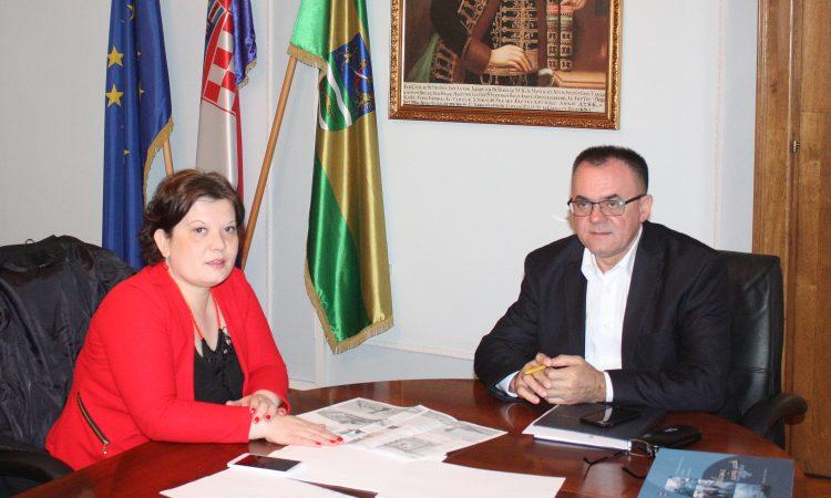 GRADONAČELNICA U POŽEGI Župan pružio potporu pakračkim projektima