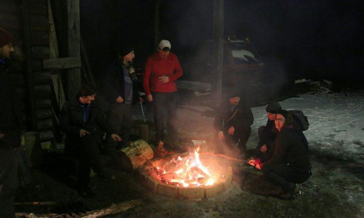 4. NOĆNI USPON NA OMANOVAC Više od pedeset sudionika na ovogodišnjoj noćnoj hodnji