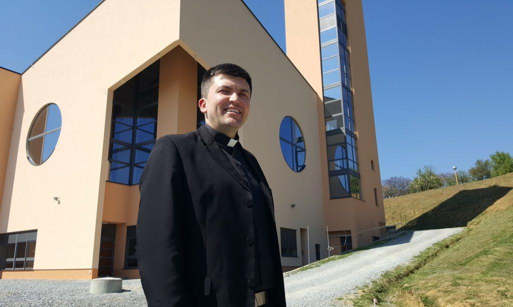 LOCAL STORY Vlč. Žarko Turuk: Da Bog živi među nama danas, koristio bi Facebook
