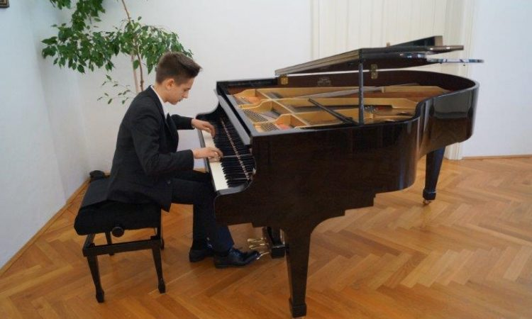 KONCERTNI CIKLUS U OGŠ PAKRAC Sutra koncert filmske glazbe
