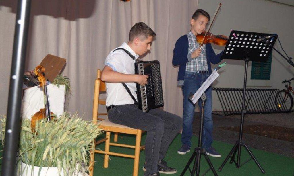 VEČERI U DVORIŠTU JANKOVIĆ Završni koncert učenika OGŠ