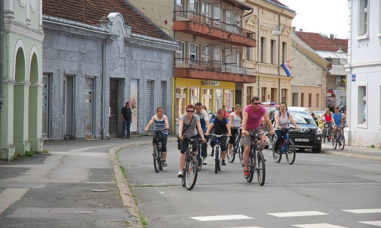 U TIJEKU OVOGODIŠNJA BICIKLIJADA  Startalo tek 65 biciklista