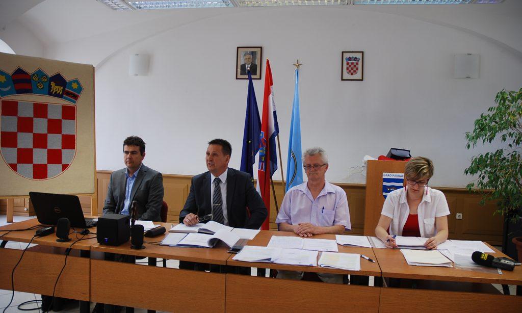 KONSTITUIRAJUĆA SJEDNICA GRADSKOG VIJEĆA PAKRAC Miroslav Ivančić novi predsjednik