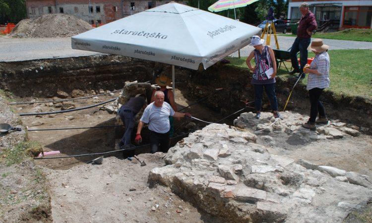 ZAVRŠENI ARHEOLOŠKI RADOVI U PAKRACU  Pronađeni vrlo vrijedni nalazi