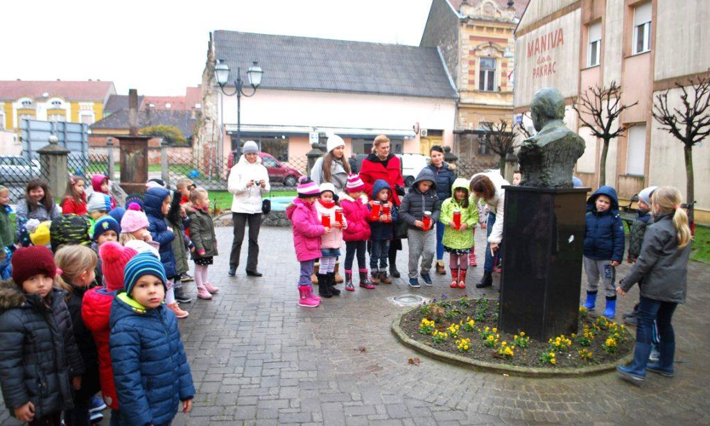 SJEĆANJE: Lampioni za Vukovar