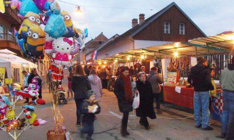 SUTRA BOŽIĆNI SAJAM Božićni ugođaj u kuriji Janković