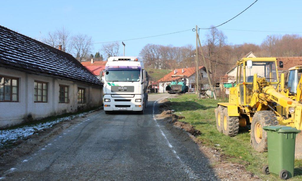 ULICA LEPTIROVO BRDO Prvi asfalt u povijesti ulice