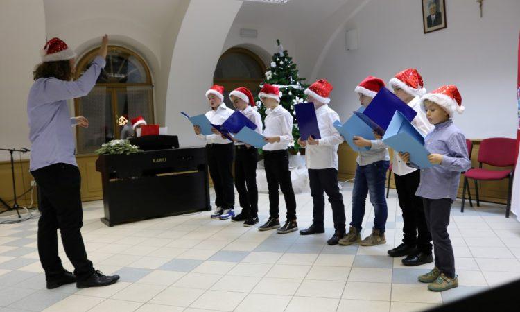 GLAZBENA ŠKOLA Održan božićni koncert