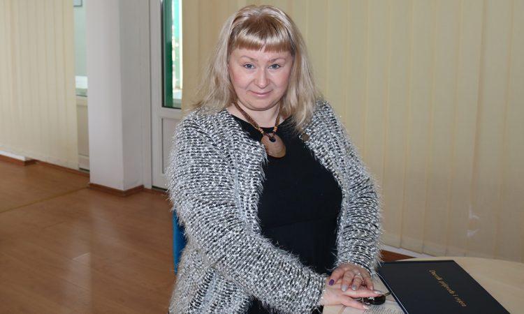 NEOBIČNO ZVANJE DALIBORKE JANDROKOVIĆ Sudski tumač za bosanski i srpski jezik
