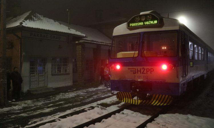 OŽIVJELA PAKRAČKA PRUGA Krenuo željeznički putnički promet kroz Pakrac!
