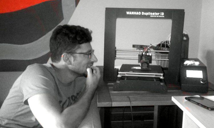 PRVI 3D PRINTER U PAKRACU Danas printa rezervne dijelove, sutra tko zna što!