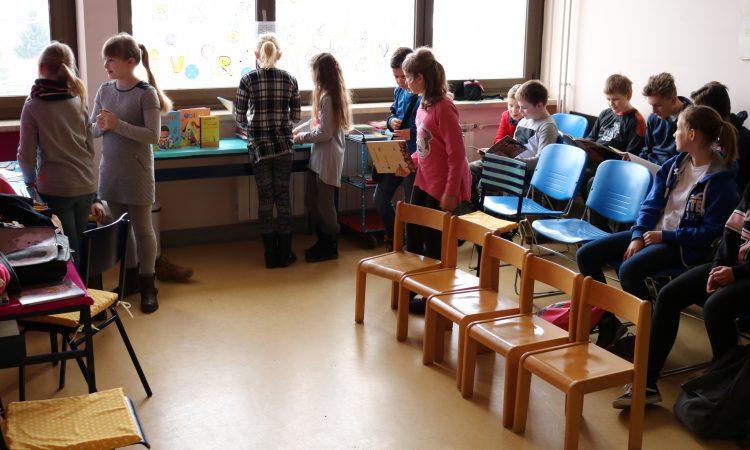 BOLNICA PAKRAC  Odjel pedijatrije dobio čitateljski kutak