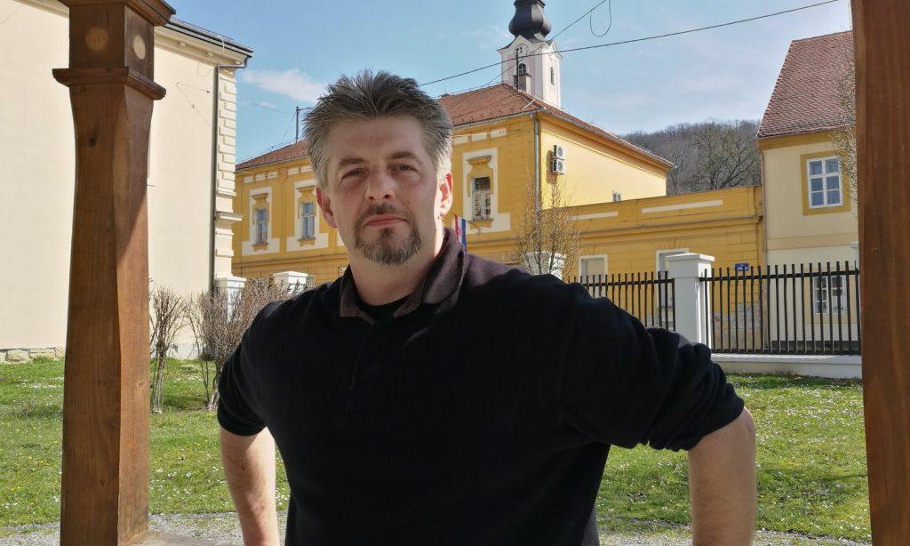 DANIJEL ŠPELIĆ, PISAC IZ PAKRACA Knjiga i dobar filmski klasik najbolje su društvo