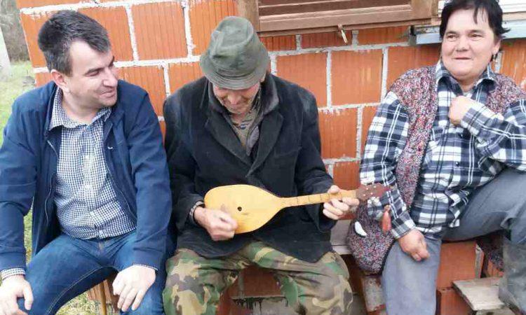 VSNM GRADA PAKRACA Uskršnja akcija obilaska starijih sugrađana