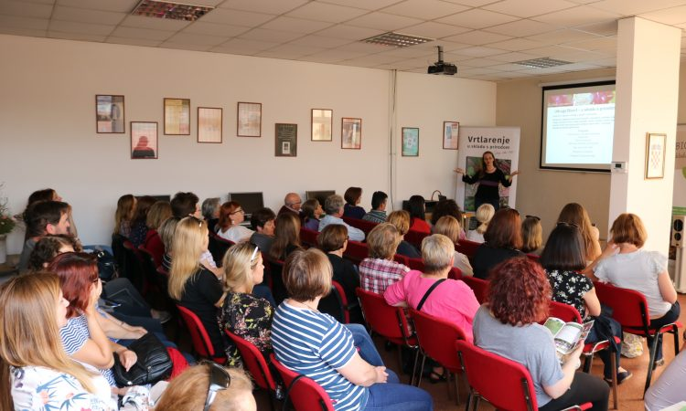 "GRADSKA KNJIŽNICA Predavanje i promocija knjige Silvije Kolar-Fodor ""Vrtlarenje u skladu s prirodom"""
