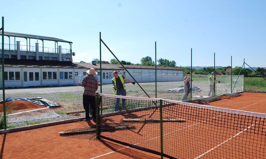 TENISKA IGRALIŠTA POKRAJ STADIONA Otvorenje 26. svibnja