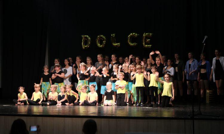 "PLESNI KLUB ""DOLCE"" Završna priredba ispunila Hrvatski dom"