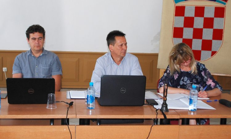 SJEDNICA GV PAKRAC Formalne odluke poremetile ljetnu političku stanku