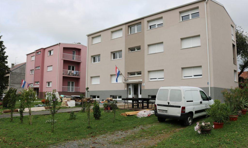ENERGETSKA OBNOVA ZGRADA Obnovljene još četiri zgrade u Pakracu