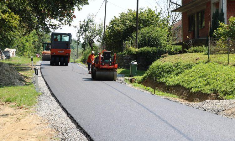 SANACIJA PROMETNICE Asfaltiranje ceste u Novom Majuru