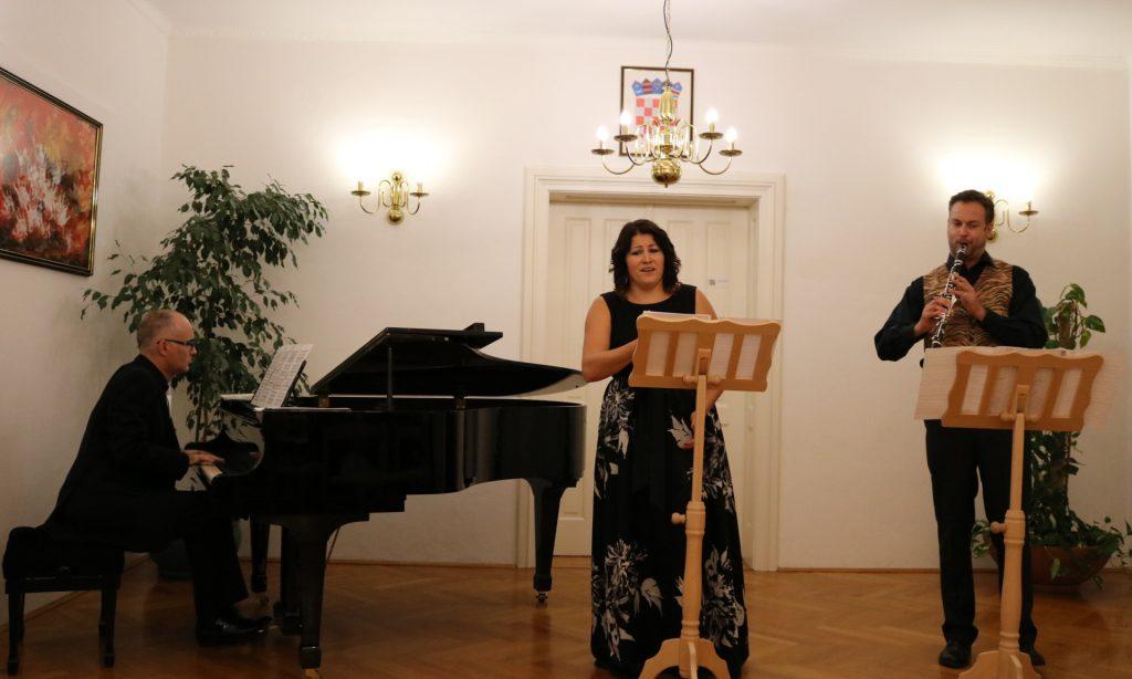 OGŠ PAKRAC Održan koncert Tria Solenza