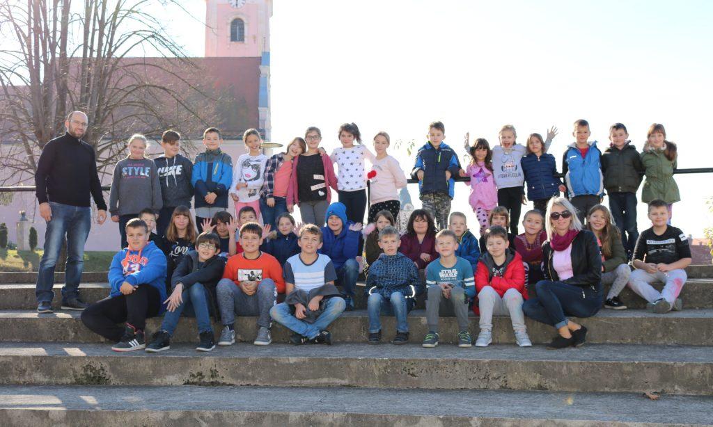 UOČI OBILJEŽAVANJA DANA SJEĆANJA Pakrački učenici odali počast Vukovaru