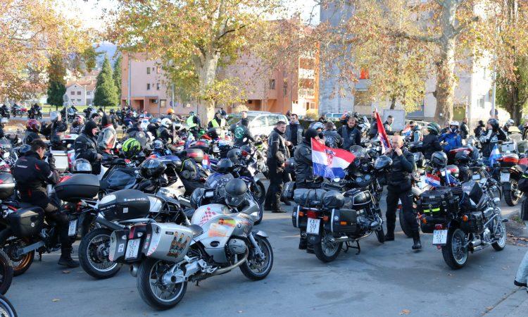 """400 MOTORISTA ZA VUKOVAR """"I u Pakracu odajemo počast najhrabrijim sinovima Hrvatske"""""""
